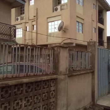 3 Bedroom, Abayomi Street, Akoka, Yaba, Lagos, Flat for Rent