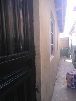 Room Self, Off Market Street, Onipanu, Shomolu, Lagos, Self Contained (single Rooms) for Rent