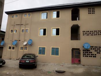 a Lovely Clean Mini Flat @ Onike Close to Unilag 1st Yaba Lagos., Yaba, Lagos, Flat for Rent