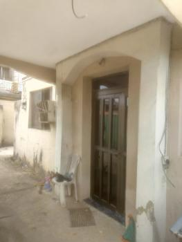Spacious 6 Bedroom Duplex, Off Anjorin Street, Itire-ikate, Surulere, Lagos, Semi-detached Duplex for Rent