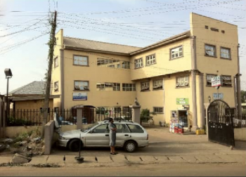 Bank Sales Shopping Complex on 3 Floors with C of O, Along Bodija Ashi Road, New Bodija, Ibadan, Oyo, Plaza / Complex / Mall for Sale