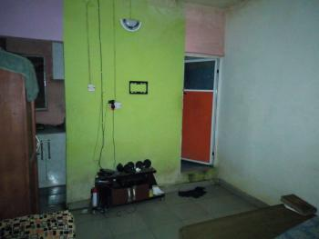 a Lovely Clean Roomself Con @ Onike Close to Unilag Yaba Lagos., Close to Unilag, Yaba, Lagos, Self Contained (single Rooms) for Rent