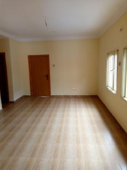 Lovely 4 Bedroom Flat, Ogunlana, Surulere, Lagos, Flat for Rent