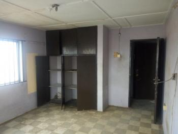3 Bedroom Apartment, Bariga, Shomolu, Lagos, Flat for Rent