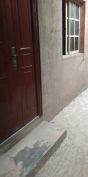 2 Bedroom Flat, at Adebisi Street, Alagomeji, Yaba, Lagos, Flat for Rent