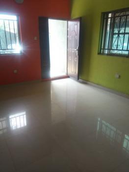 Neat 2 Bedrooms, Gbagada, Lagos, Flat for Rent