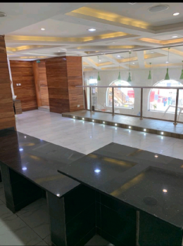 120sqm Open Plan Space Suitable for Showroom, Lounge Or Restaurant, Off Adeola Odekun, Victoria Island (vi), Lagos, Commercial Property for Rent