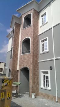 an Exquisite  (serviced) 3 Bedroom Flat in an Estate, Soluyi, Gbagada, Lagos, Flat for Rent