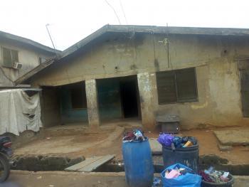 Land with Bungalow, Olalubi Street, Off Dosunmu, Mafoluku, Oshodi, Lagos, Residential Land for Sale