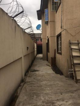 2bedroom Flat  All Rooms En Suites with Visitors Toilet, Fola Agoro, Yaba, Lagos, Flat for Rent