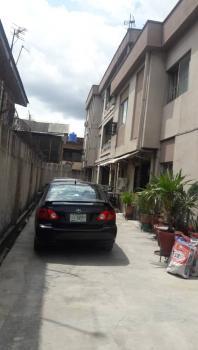 Spacious 3 Bedroom Upstairs, Adelabu, Surulere, Lagos, Flat for Rent