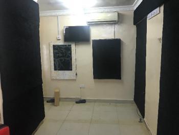Make Up Studio/spa/shop Space, Ikate Elegushi, Lekki, Lagos, Office Space for Rent