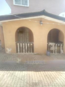 All Rooms En-suit Spacious 3 Bedroom Ground Floor, Off Falolu Street, Ogunlana, Surulere, Lagos, Flat for Rent