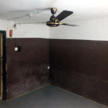 a Fairly Used and Thoroughly Renovated Mini Flat, Adekunle, Yaba, Lagos, Mini Flat for Rent