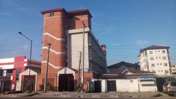 16 Rooms + 4 Bedroom Pent-house, Along Muritala Mohammed Way, Alagomeji, Yaba, Lagos, School for Sale