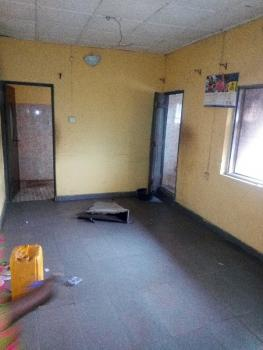 2 Bedroom Flat, Oyo Street Off Fafolu Street, Olorunsogo, Mushin, Lagos, Flat for Rent