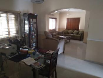 Lovely & Spacious 2 Bedroom Flat, Off Commercial Avenue ( By Ozone Cinemas), Sabo, Yaba, Lagos, Flat for Rent