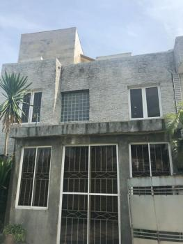 a Two Storey Building on 1,000sqm.  ( Has C of O)., on Admiralty Road, Lekki Phase 1, Lekki, Lagos, House for Sale
