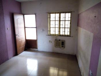 a Lovely Luxury Roomself Con @ Brisket Estate Onike Iwaya Yaba Lagos., Wegbo Street, Onike, Yaba, Lagos, Flat for Rent