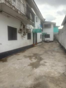 Spacious 2 Bedroom Upstairs, Off Falolu Street, Ogunlana, Surulere, Lagos, Flat for Rent