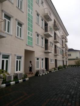 Lovely and Well Kept 4 Bedroom Serviced Penthouse with a Room Bq, Fitted Kitchen,, Off Banana Island Road, Mojisola Onikoyi Estate, Ikoyi, Lagos, Flat for Rent
