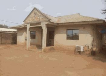 Demolish-able Bungalow on a Plot of Land, Unity Estate, Ojodu, Lagos, Detached Bungalow for Sale