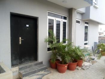 Beautiful 2 Bedroom Flat, Onike, Yaba, Lagos, Flat for Sale