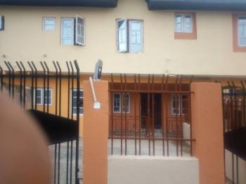 Block of 2 Bedroom Flat, Ikolaba Estate., New Bodija, Ibadan, Oyo, Flat for Rent