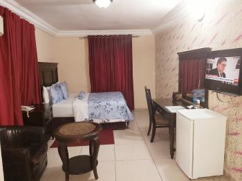 Excellent 10bedrooms Apartment with Conference/meeting Hall, 12 Balarabe Musa Crescent, Victoria Island (vi), Lagos, Detached Duplex Short Let