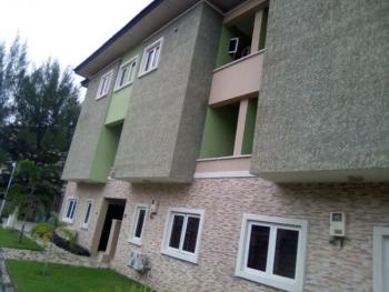 a Neat and Descent 4 Bedroom Terrace in a Seclude  Serviced Estate, Osapa, Lekki, Lagos, Terraced Duplex for Rent