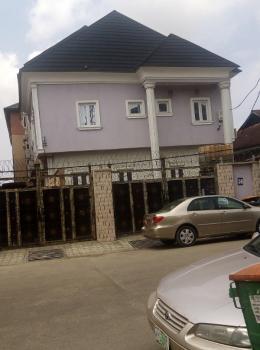 Attractive 2 Bedroom, Queen Street, Alagomeji, Yaba, Lagos, Mini Flat for Rent