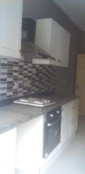 3 Bedroomflat Flat, Moronfolu, Yaba, Lagos, Flat for Rent