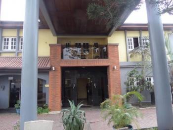 18 Rooms Hotel, Ikeja Gra, Ikeja, Lagos, Hotel / Guest House for Rent
