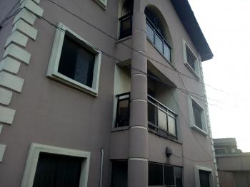 a Lovely Clean  3 Bedroom Flat, Yaba, Lagos, Flat for Rent