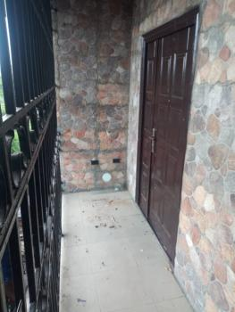 Clean and Spacious 3 Bedroom, James Island, Bode Thomas, Surulere, Lagos, Flat for Rent