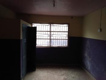 3 Bedroom Flat, Abule Ijesha, Yaba, Lagos, Flat for Rent