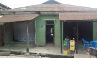 Tenement Bungalow Of 12 Nos. Rooms With 2 Nos. Shops And 1 Mini Flat, , Surulere, Lagos, 12 Bedroom, 2 Toilets, 2 Baths House For Sale