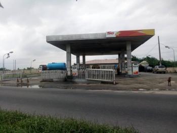 Filling Station, Ikorodu Road, Immediately After Owode Axis, Agric, Ikorodu, Lagos, Filling Station for Sale