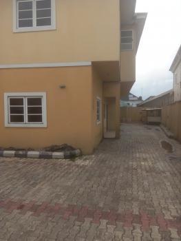 a Standard 4 Bedroom Flat with Standard Modern Facilities, Farm Road 2, Eliozu, Port Harcourt, Rivers, Flat for Rent