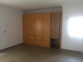 Upper Floor 3 Bedroom Suitable for  Residential, Off Admiralty Road, Lekki Phase 1, Lekki, Lagos, Flat for Rent