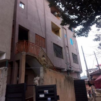 a Fairly Used and Spacious Mini Flat, Abule Oja, Yaba, Lagos, Mini Flat for Rent