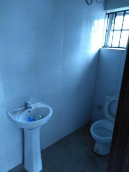 Lovely 2 Bedroom Flat, Fola Agoro, Yaba, Lagos, Flat for Rent