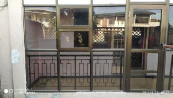 Spacious 3 Bedroom, Off Akerele Street, Ogunlana, Surulere, Lagos, Flat for Rent