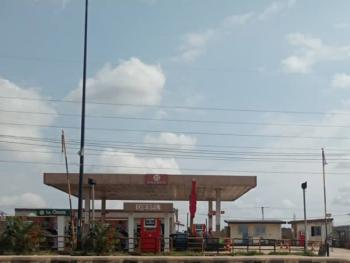 Functioning Filling Station and Well-functioning Bakery Sitting on 2 Plots of Land, Ikorodu Road, Ikorodu, Lagos, Filling Station for Sale