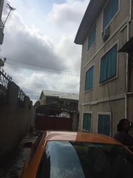 2 Bedroom, Lawani Street, Ojuelegba, Surulere, Lagos, Flat for Rent