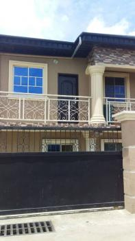 2 Bedrooms Flat, By Gt Bank, Ijesha, Surulere, Lagos, Flat for Rent