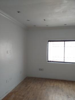 Upper Floor 5 Bedroom Flat for Office, Lekki Phase 1, Lekki, Lagos, Office Space for Rent