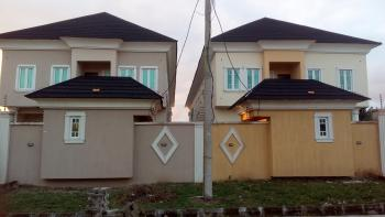 3 Bedroom Flat 2 People in The Compound, Lekki Scheme 2, Ajiwe, Ajah, Lagos, Flat for Rent