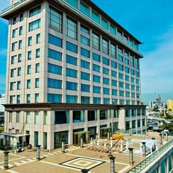 Functional 5-star Waterfront, Victoria Island, Lekki Expressway, Lekki, Lagos, Hotel / Guest House for Sale
