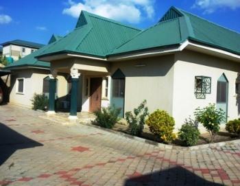 Large Residential Property, Ndamini Mohammed Crescent, Kaduna North, Kaduna, Detached Bungalow for Sale